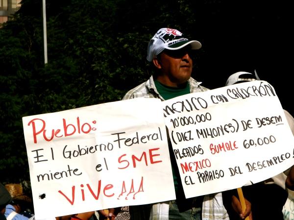 Les électricistes de Luz y Fuerza del Centro ne sont pas disposés à accepter l'extinction de Luz y Fuerza del Centro et de leur syndicat, le SME...